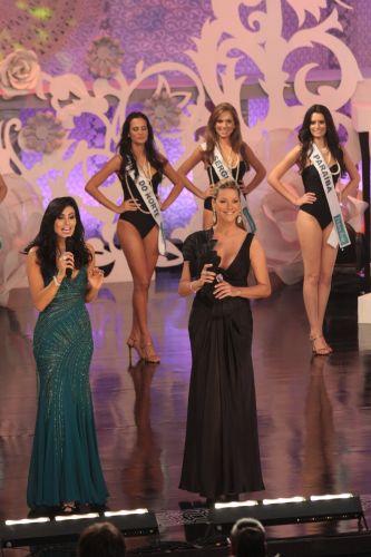 Ex-Miss Brasil em 1999, Renata Fan apresentou a edição do concurso em 2009, no Memorial da América Latina