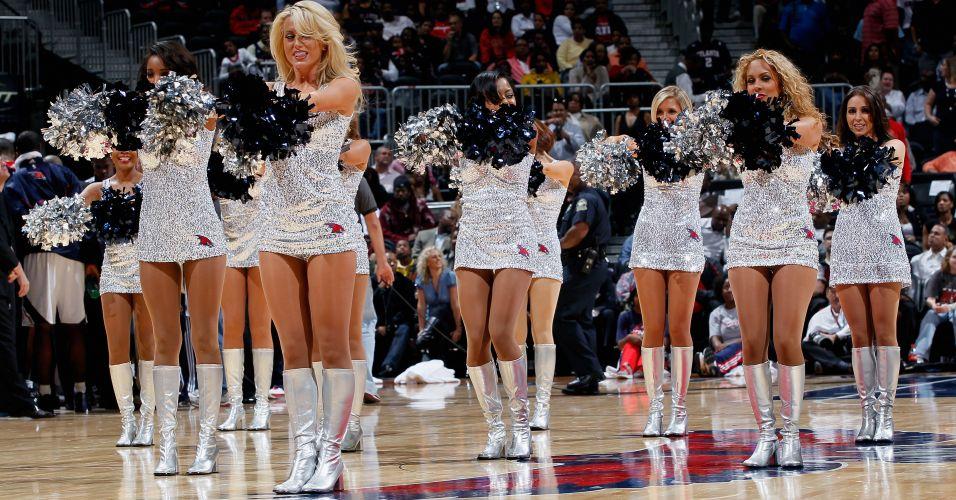 Classificado para os playoffs da NBA, o Atlanta Hawks não agradou no concurso de cheerleaders e acabou eliminado na primeira rodada, em confronto contra as meninas do Energee!, animadoras do Milwaukee Bucks