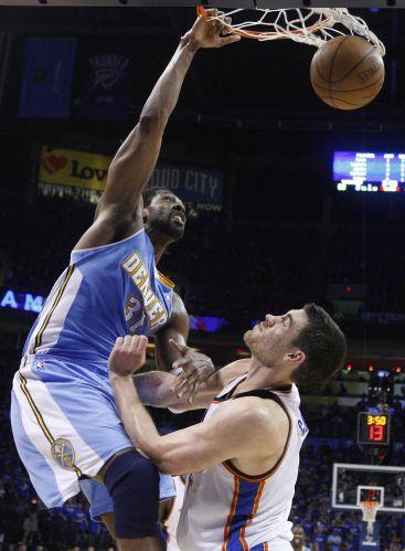 Com 22 pontos, Nenê brilhou pelo Denver Nuggets contra o Oklahoma City Thunder; atuação do brasileiro ficou em segundo plano com a derrota por 107 a 103