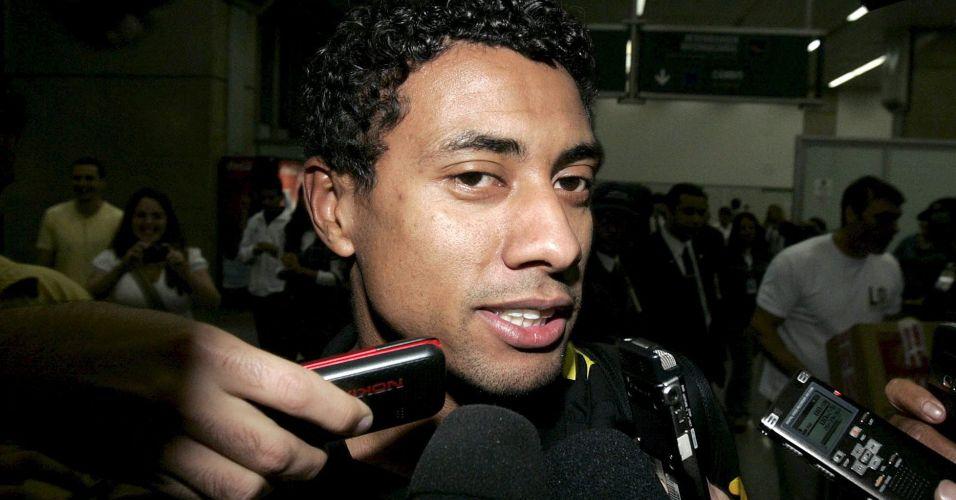 Fora dos planos de Vanderlei Luxemburgo no Flamengo, Kleberson foi emprestado ao Atlético-PR para tentar recuperar seu bom futebol. Seu desempenho, porém, tem sido frustrante. Marcou apenas um gol e tem sofrido com as lesões