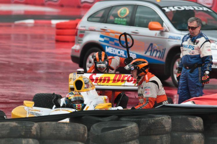 Chuva atrapalhou corrida em São Paulo; largada foi complicada para muitos pilotos, com acidentes e saídas da pista