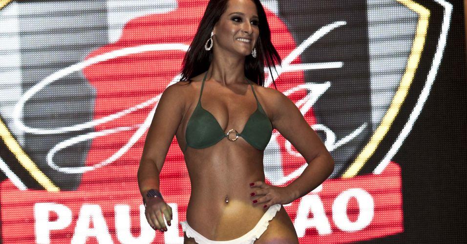 Karine El Kurdi, musa da Portuguesa, usou verde e branco para convencer os jurados