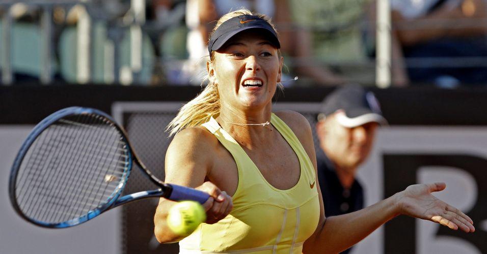 Maria Sharapova faz careta durante a partida contra israelense Shahar Peer