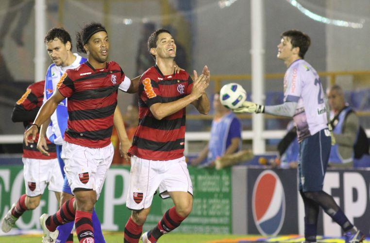 Thiago Neves fez o terceiro gol do Flamengo diante do Avaí, em Macaé, pela primeira rodada do Brasileiro. Meia foi convocado nesta semana para a seleção brasileira