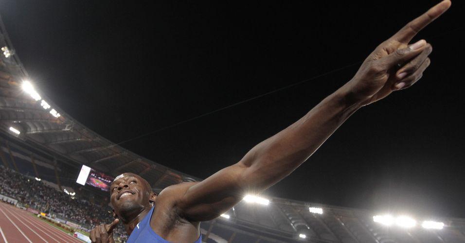 Depois de nove meses longe das pistas, Bolt venceu os 100 m e fez sua tradicional comemoração