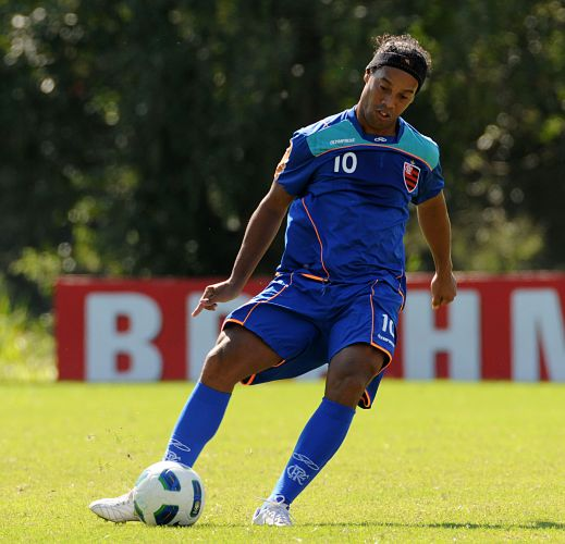Após a boa atuação na goleada sobre o Avaí, Ronaldinho se prepara para a próxima rodada do Brasileirão, quando o Flamengo encara o Bahia fora de casa