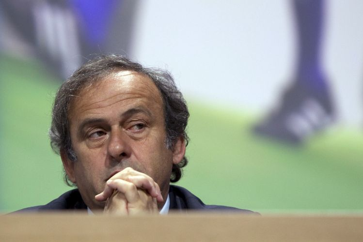 Presidente da Uefa, o francês Michel Platini acompanha o 61º Congresso da Fifa, em Zurique (Suíça). No encontro, Joseph Blatter, presidente da entidade, definiu-se como um