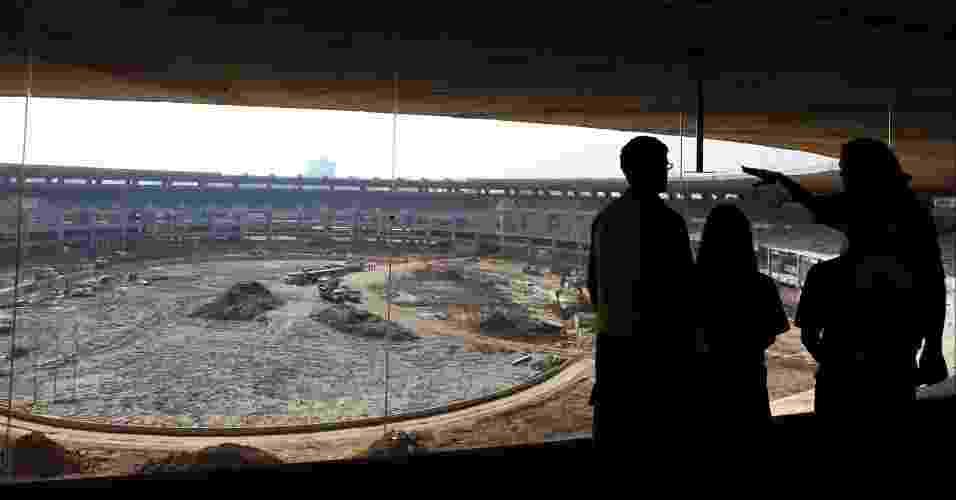 Os visitantes pagam R$ 10 para ver o estádio de cima, mas a vista não é muito atraente - undefined