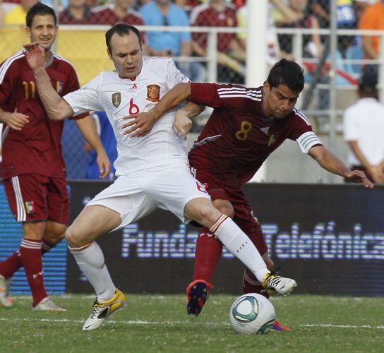 Iniesta foi um dos jogadores considerados titulares que começaram jogando pela Espanha na Venezuela