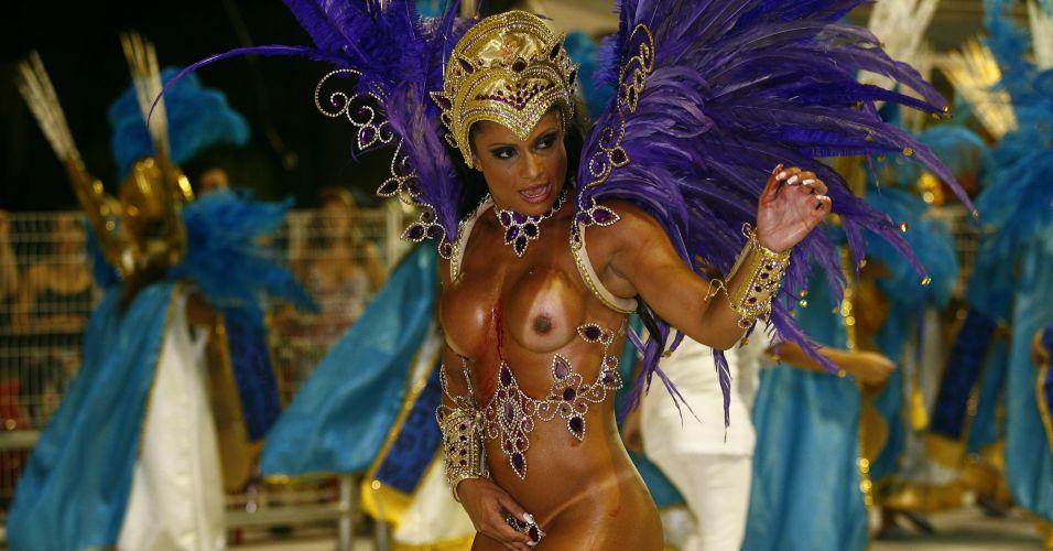 Dani Sperle é figura carimbada em escolas de samba do Rio de Janeiro e de São Paulo