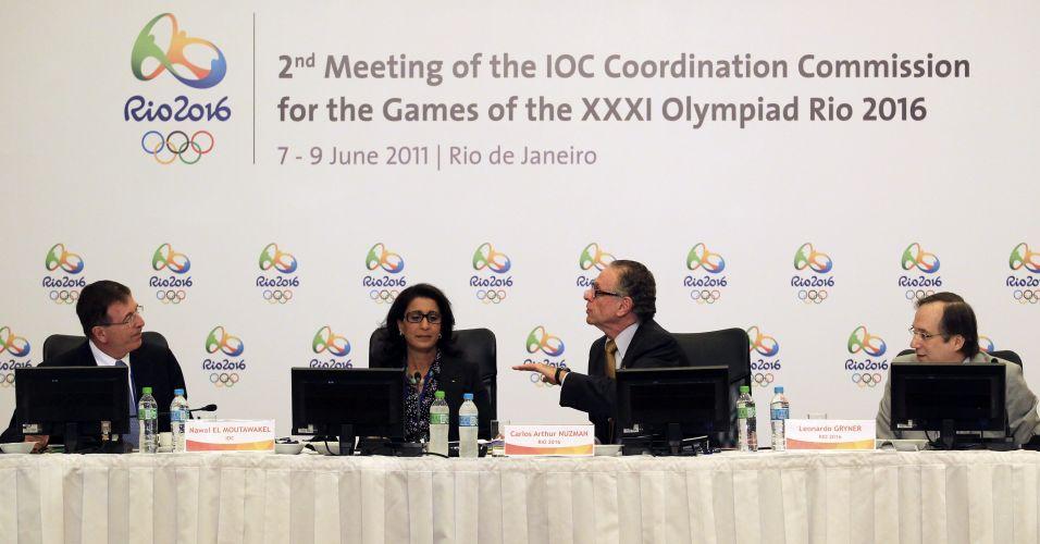 Gilbert Felli, diretor executivo dos Jogos Olímpicos, Nawal El Moutawakel, presidente da comissão de coordenação dos COI para os Jogos Olímpicos de 2016, Carlos Arthur Nuzman, presidente do COB, e Leonardo Gryner, CEO do Rio-2016,