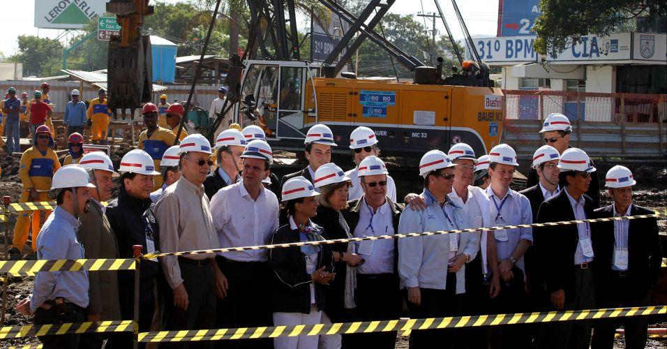 Dirigentes do COI visitam obras da Transcarioca (ligação da Barra da Tijuca para o Aeroporto Tom Jobim) ao lado de Carlos Arthur Nuzman e Eduardo Paes