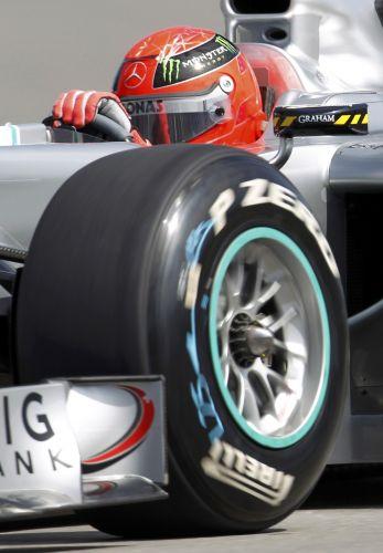 Michael Schumacher teve um bom desempenho na primeira sessão de treinos livres para o GP do Canadá., mas depois ficou para trás