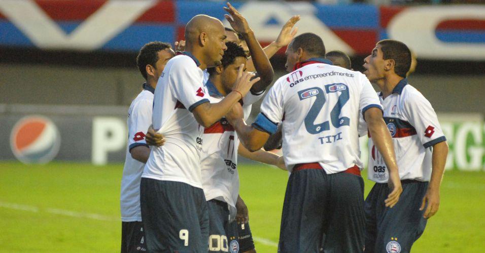 Souza comemora gol do Bahia na partida contra o Atlético-MG, em Salvador