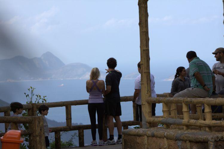 Em passeio pelo Rio de Janeiro, Alexandre Pato leva namorada Barbara Berlusconi para conhecer pontos turísticos da Cidade Maravilhosa