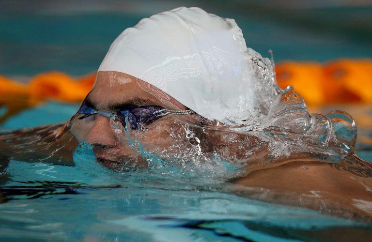 Especialista no nado peito, Felipe França treina no Centro Esportivo Crystal Palace, em Londres, onde a delegação brasileira se prepara para a disputa do Aberto de Paris, nos dias 25 e 26 de junho