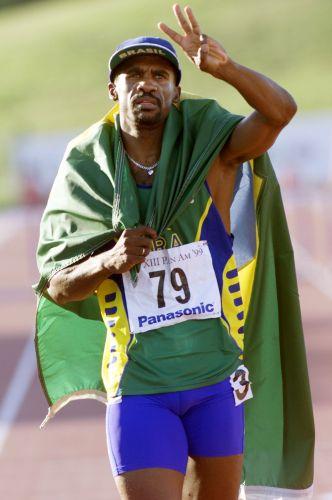 Eronilde Araújo - Tricampeão nos 400 m com barreira (Havana-1991, Mar del Plata-1995 e Winnipeg-1999)