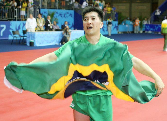 Hugo Hoyama - No Pan do Rio de Janeiro, o mesa-tenista se tornou o recordista em ouros do esporte brasileiro em Pans, com oito conquistas
