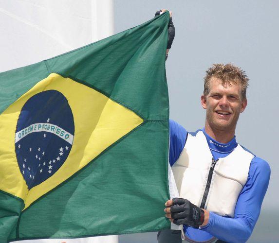 Robert Scheidt - Dono de quatro medalhas olímpicas, o velejador é tricampeão pan-americano. Só não é tetra porque, em 2007, chegou ao Pan para velejar na classe Laser após dois anos dedicados à Star