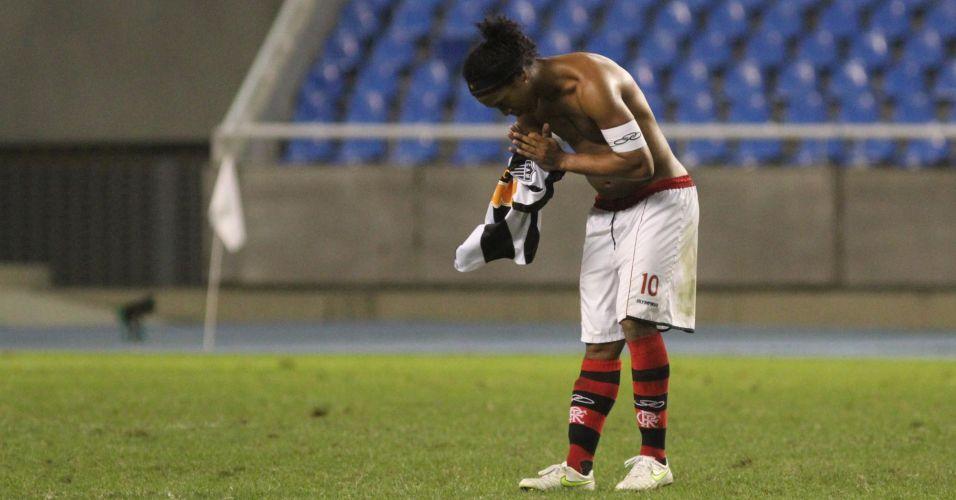 Ronaldinho voltou a agradecer a torcida após a vitória do Flamengo sobre o Atlético-MG por 4 a 1