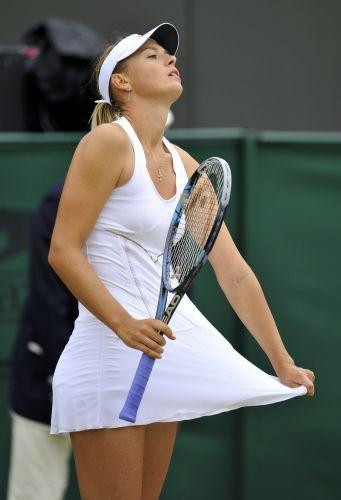 Maria Sharapova lamenta ponto perdido contra a rival Klara Zakopalova, da República Tcheca