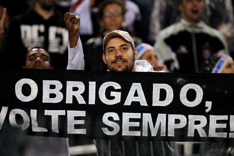 Torcida do Corinthians tira onda com são-paulinos durante goleada