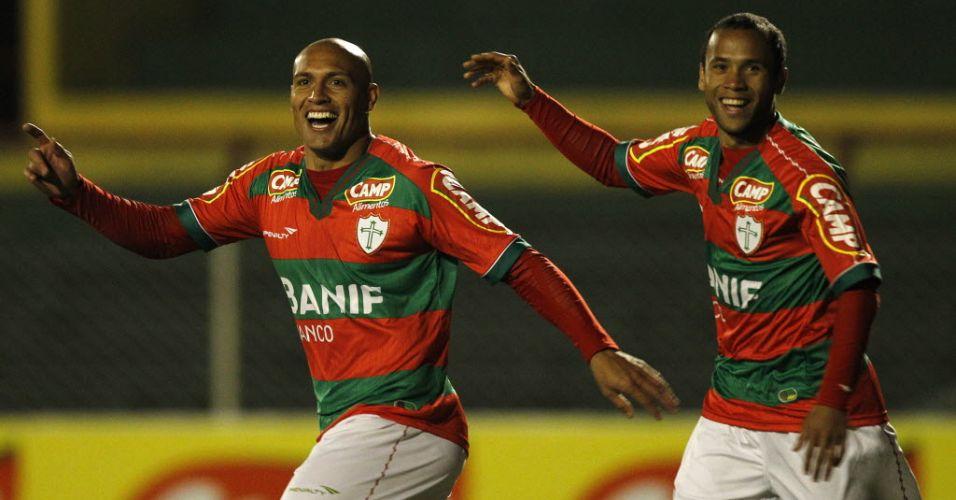 Edno se destacou ao marcar dois gols e garantir a liderança da Portuguesa na Série B, graças à goleada por 5 a 2 sobre o São Caetano, no Canindé