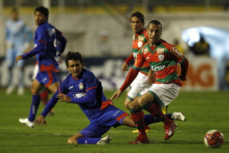 Portuguesa foi arrasadora no Canindé e não tomou conhecimento do São Caetano para golear por 5 a 2
