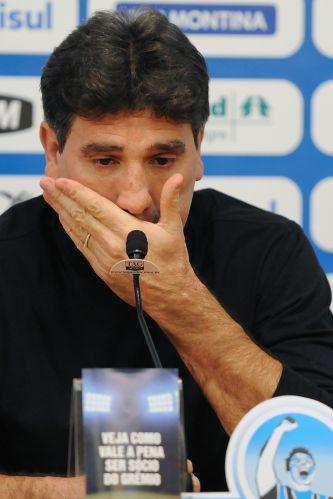 Ao se despedir do Grêmio, clube que comandava desde 2010, Renato agradeceu à torcida e se emocionou.