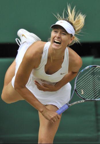 Famosa por seus gritos em quadra, Maria Sharapova não resistiu a tcheca Petra Kvitova e perdeu a final de Wimbledon por 2 a 0