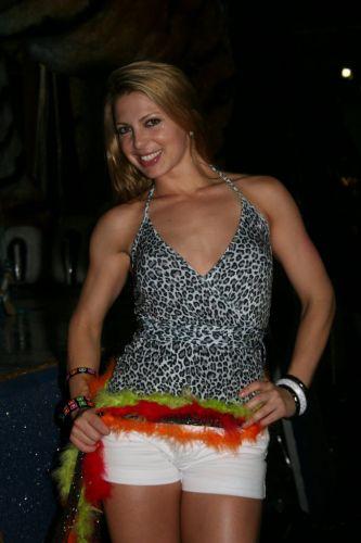 Sheila Mello posa para revista especial sobre Carnaval de 2007