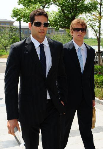 Henrique Barbosa e Cesar Cielo chegam para a assembleia da Corte Arbitral do Esporte (CAS) em Xangai, onde passam por julgamento por doping com a substância furosemida