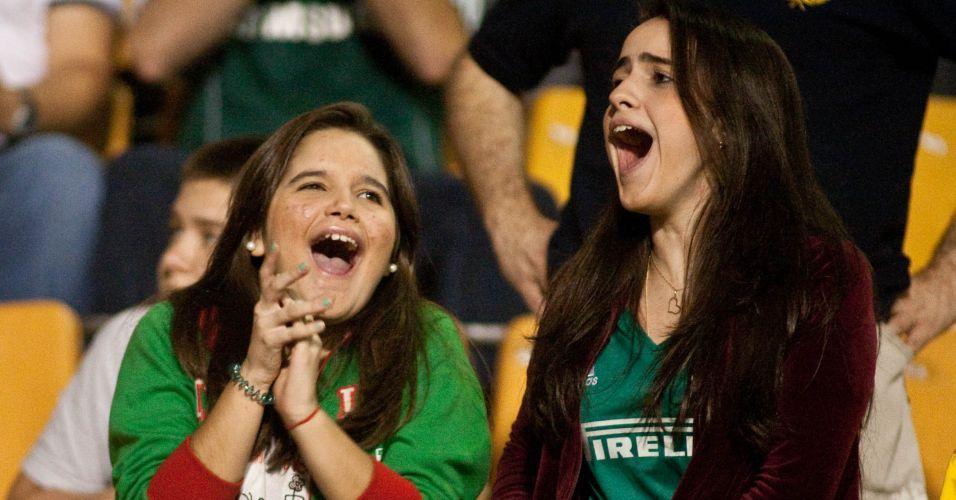 Torcedoras se exaltam com o Palmeiras antes de jogo contra o Flamengo; jogo foi morno e terminou em 0 a 0