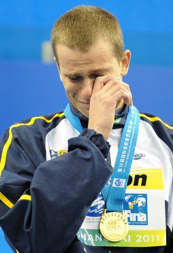 A exemplo do que aconteceu na Olímpíada de Pequim, Cielo foi às lágrimas com a execução do hino nacional no mundial de Xangai