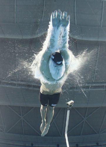 O norte-americano Michael Phelps mostrou sua força nos 200 m borboleta e fez uma parte final muito forte para conquistar a medalha de ouro em Xangai