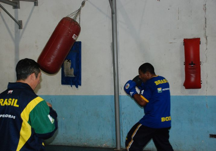 David Costa já foi campeão mundial juvenil e é uma das promessas do boxe brasileiro.