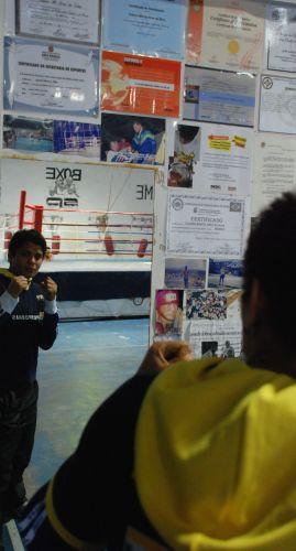 Adriana Araújo luta boxe desde 2000 e ficou