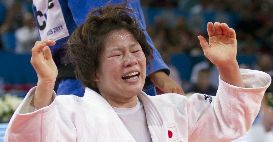 Se Ueno não foi muito emotiva com a medalha de prata dos 63kg, o mesmo não pode ser dito de Aiko Sato. Ela bateu a brasileira Rafaela Silva na final e, assim que conseguiu o golpe decisivo, chorou
