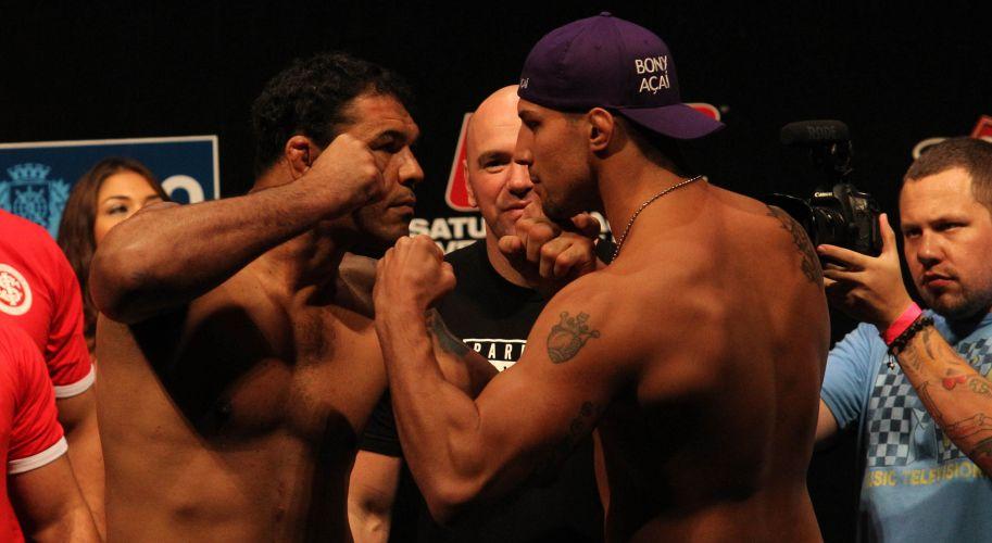 Minotauro encara norte-americano Brendan Schaub durante evento da pesagem para o UFC Rio