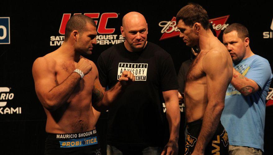 Maurício Shogun encara Forrest Griffin durante pesagem do UFC Rio
