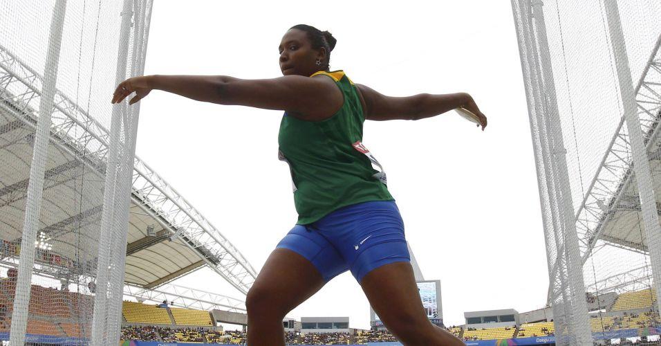 A brasileira Andressa de Morais se prepara paa lançar o disco no primeiro dia de provas do Mundial de Atletismo 2011