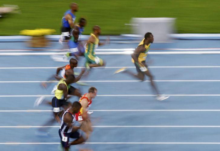 Bolt venceu com autoridade sua bateria nas eliminatórias dos 100 m no Mundial de Daegu, na Coreia do Sul