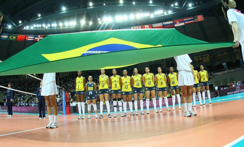 Seleção brasileira entra invicta na final, com 13 vitórias em 13 jogos disputados. No entanto, cai na final e acaba com o vice-campeonato do Grand Prix