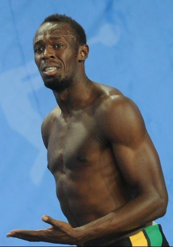 Atual recordista mundial dos 100 m rasos (9s58), Usain Bolt queima largada na final no Mundial de Daegu e perde chance de conquistar o bicampeonato