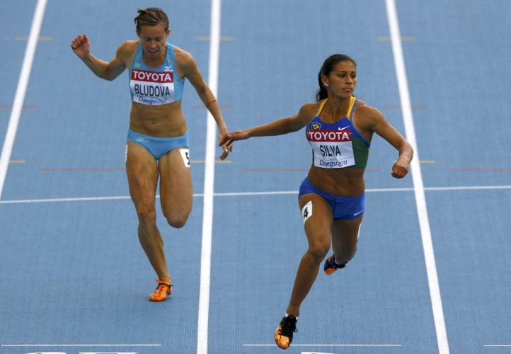 Ana Claudia Silva, a musa do atletismo brasileiro, decepcionou em Daegu e não conseguiu a classificação para a final dos 100 m