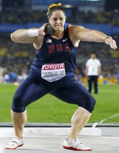 Jillian Camarena-Williams, dos EUA, durante sua participação no arremesso de peso no Mundial de Daegu