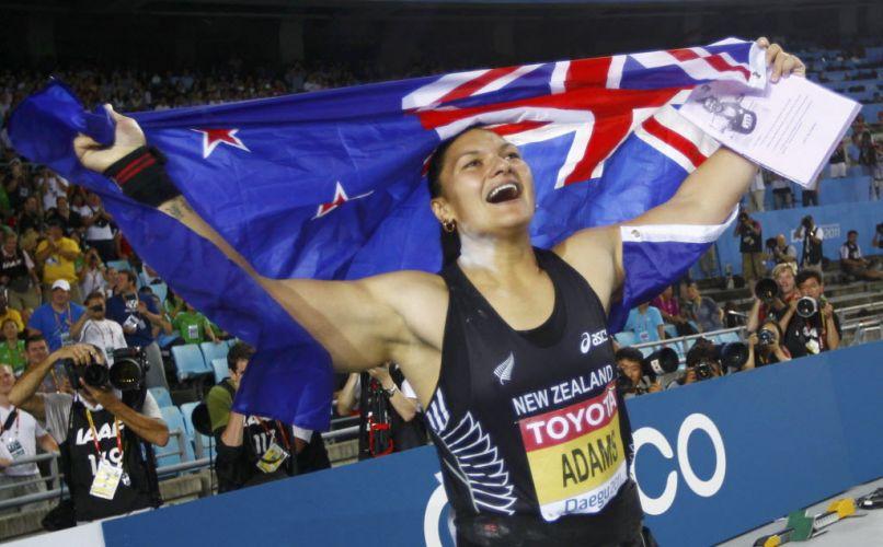 Valerie Adams, da Nova Zelândia, comemora a vitória no arremesso de peso no Mundial de Daegu