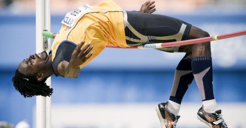 Equatoriano Diego Ferrin disputa eliminatória do salto em altura