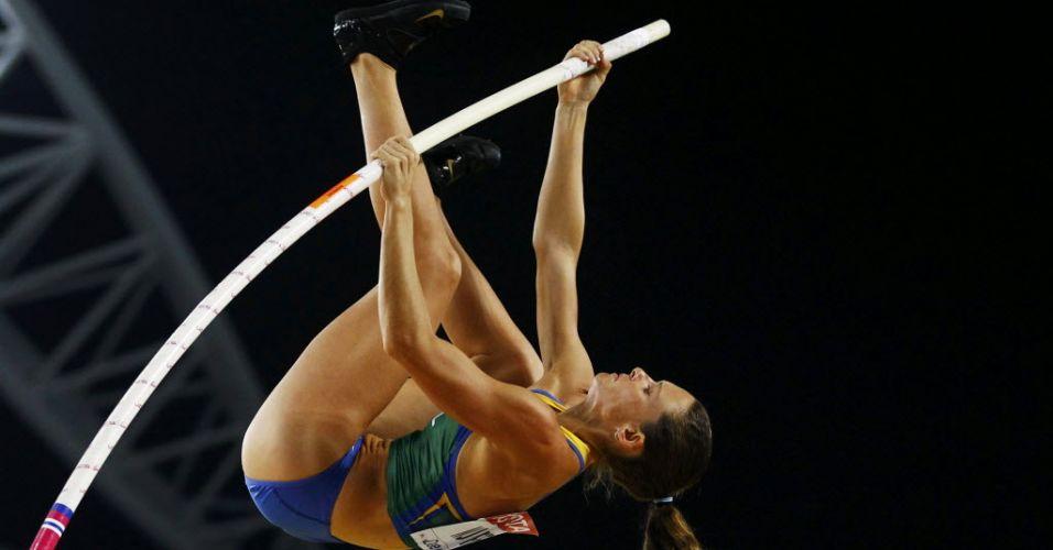 Detalhe da tentativa de Fabiana Murer durantea final do Mundial de atletismo. A brasileira conseguiu acertar seus saltos e sagrou-se campeã mundial outdoor.