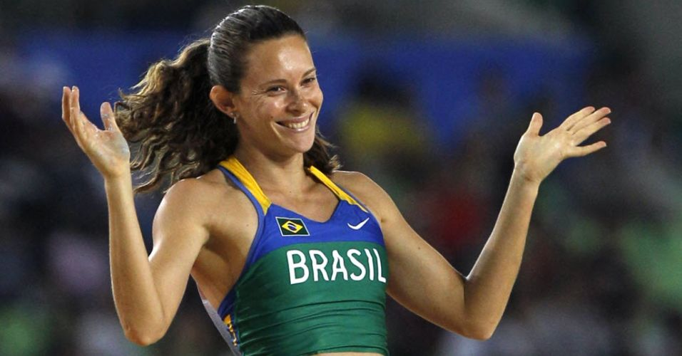 Brasileira Fabiana Murer brilhou em Daegu com ouro no salto com vara